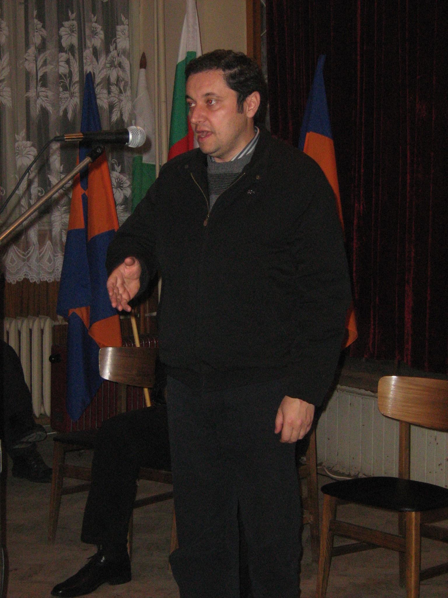 Драстични реформи и падането на имунитети поиска Яне Янев
