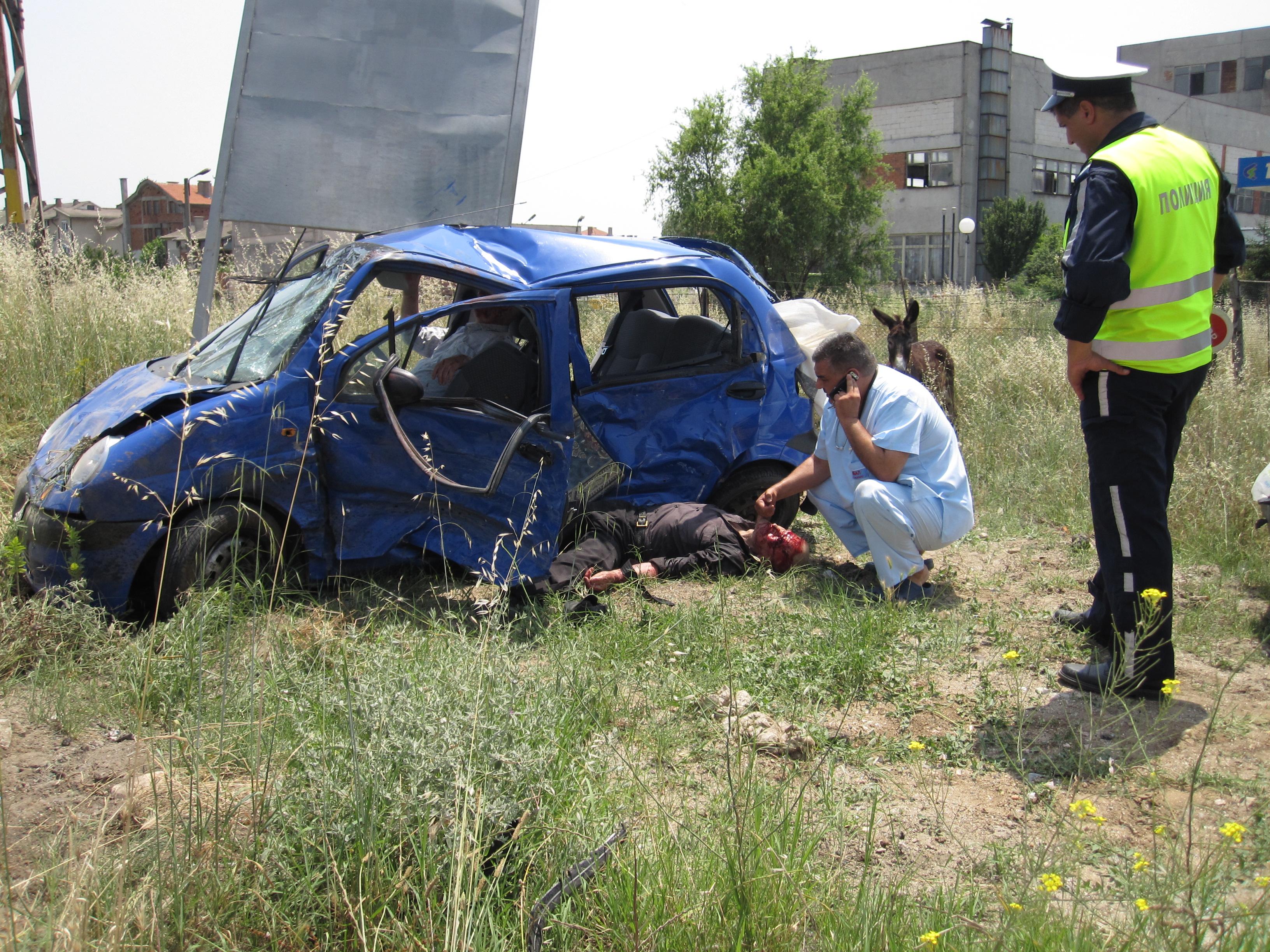 Тежка катастрофа на кръстовището до болницата