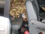 Хванаха 17-годишна скрита под чаршаф в опит да мине границата