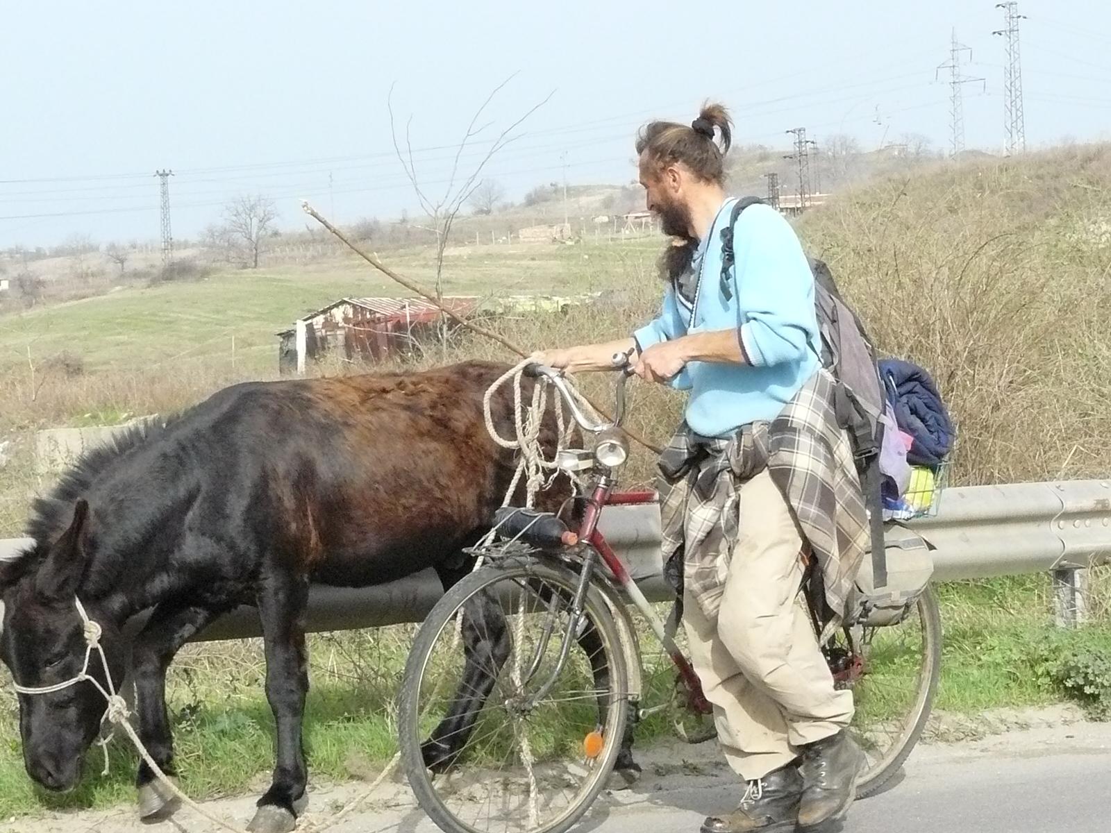 Французин пътува с магаре до Гърция