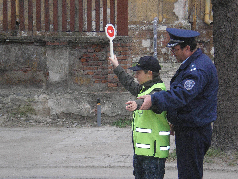 15 ученици с противообществени прояви в Любимец