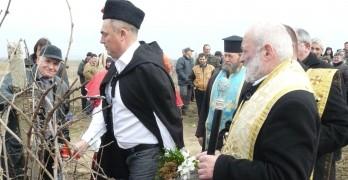 На Трифон Зарезан:Иван Петров и Манолов зарязаха край Левка
