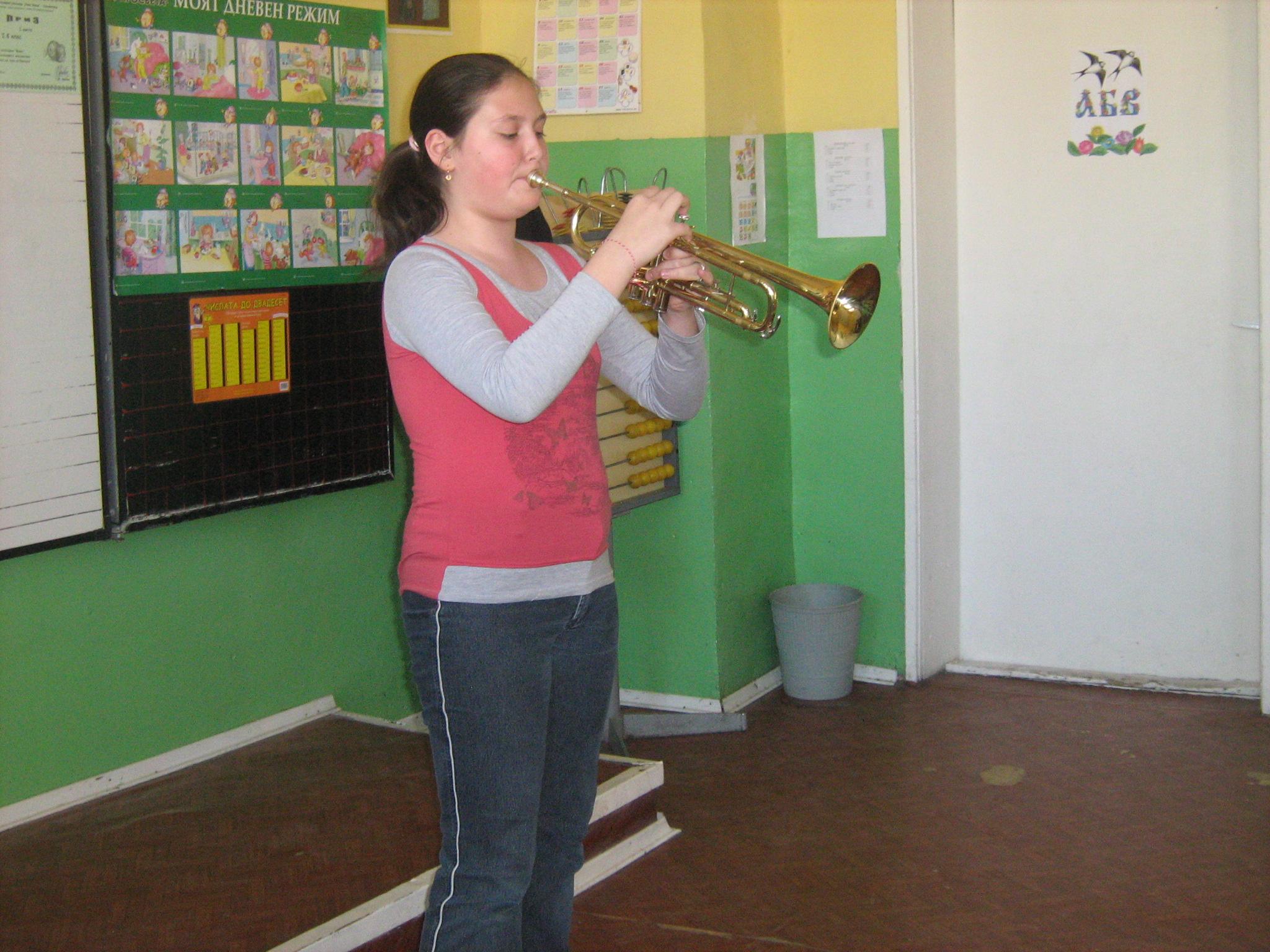 Петокласничка от Свиленград избрана за солист на симфоничен оркестър
