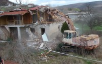 Отново събарят вили в Ставри Димитрово