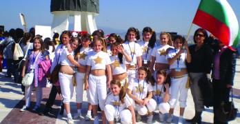 """""""Златните момичета"""" обраха аплодисментите на фестивал в Турция"""