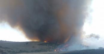 Пожар край Младиново бушува на 3500 дка, военни се включиха в гасенето