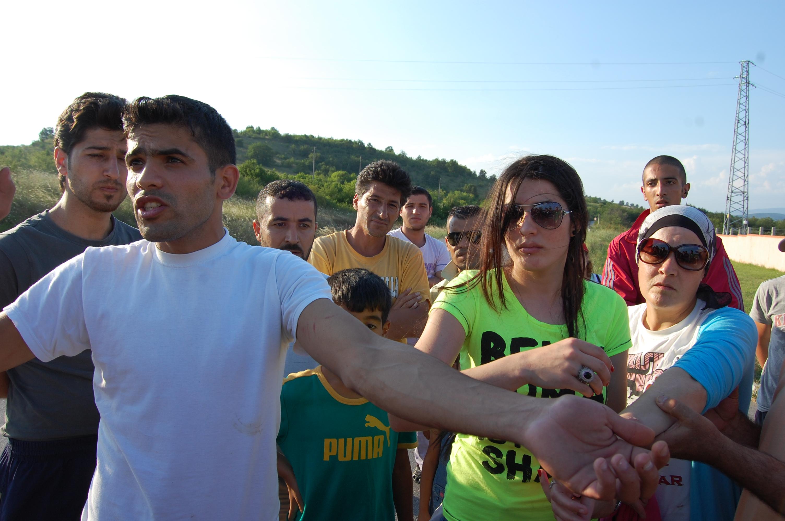 Бежанците от  центъра край  Пъстрогор се разбунтуваха