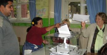 Снимат бюлетина в ромската секция, 43 на сто избирателна активност