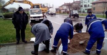 Обявиха червен код за Марица при Свиленград, водата стигна 5,10 м