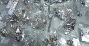 Сребърни накити от висока  бижутерска проба спряха на Капитан Андреево