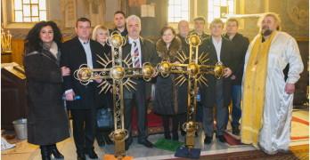 Храмът в Любимец се сдоби с два нови кръста