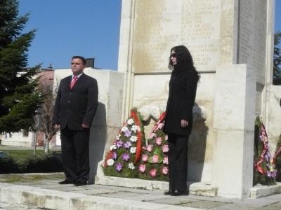 Почитта си към загиналите герои изразиха и представители на политическите партии ВМРО, ГЕРБ, БСП