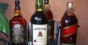 Галони с уиски, пистолети, медни проводници и акумулатори крадени по празниците
