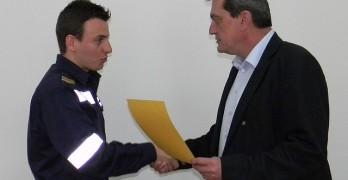 Двама наши пожарникари с награди от Николай Николов