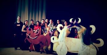 Ученици от ПГССИ най-добри в авторската драматургия на английски в областта