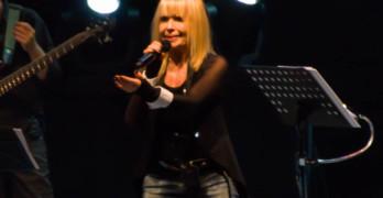 Лили Иванова посрещната на крака в Свиленград