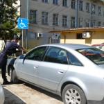 Шофьор от Свиленград отнесе фиш от 20 лева затова, че е спрял неправомерно на място за хора с увреждания