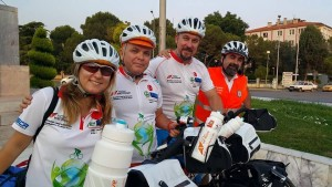 """Тимът на """"NowWeBike"""" – Европейски колоездачен тур пристига в Свиленград"""