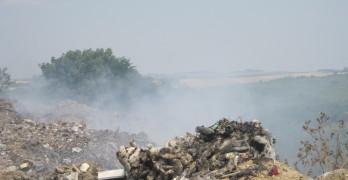 Горящо сметище обгазява Ивайловград всеки ден