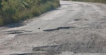 Пет села готови на протест заради разбит път и държавно безхаберие