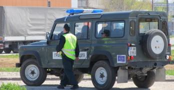 54 бежанци и 8 каналджии задържани преди Капитан Андреево