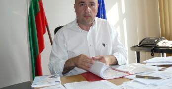 Юлиан Мирков, началник на свиленградската митница, с идването си тук, каза, че знае как да удари по цигарената контрабанда
