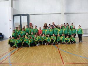 На полувремето детските отбори си направиха обща снимка с кмета на общината Георги Манолов, президента на клуба Ася Райкова и треньорката Мария Перчемлиева