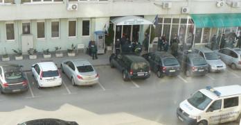 От петимата задържани гранични в ареста остана само един