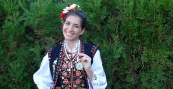 Фолклорът е ключовата частица, която ни обединява и ни прави българи