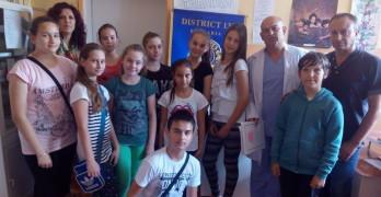 Прегледаха 440 деца за гръбначни изкривявания по инициатива на Лайънс и Ротари