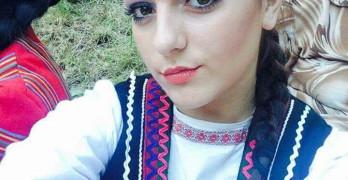 Мирела Балджиева разнася красотата и богатството на българския фолклор и до САЩ