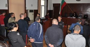"""Освободиха срещу 5000 лева шестимата арестувани на """"Капитан Андреево"""""""