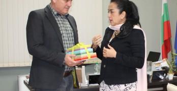 Кметът на Свиленград получи автентичен подарък от Индонезия