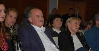 """Никола Динков: втори в листата на коалиция """"БСП за България"""" :    Малкият и средния бизнес нямат достъп до европейските програми, защото има прекалено много бумащина"""
