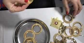 Задържаха златни накити за над 50 000 лева