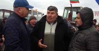 Валентин Ангелов от протеста на земеделските производители: Служебните управляващи да не убиват българското производство