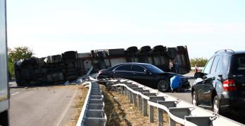 """Зверска катастрофа на магистрала """"Марица"""" край Свиленград"""
