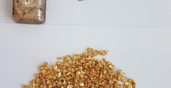 Сърбин пренася 2 кг злато в панталона си