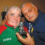 В знак на благодарност за петнадесетгодишното истинско приятелство Динко Господинова подари на Професора специална статуетка