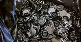 """Задържаха над 4000 фалшиви етикета на """"Капитан Андреево"""""""