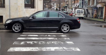 Паркиране по свиленградски – наглост от козирката нагоре