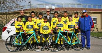 Колоездачите с нова екипировка