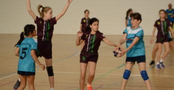 """Малките """"амазонки"""" мачкат в първия ден от финала на държавното първенство в Свиленград"""