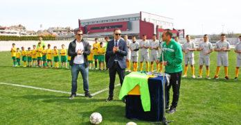 Футболната школа получи нова екипировка от Еfbet