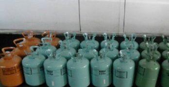 Откриха 40 бутилки с вреден фреон, укрит в камион