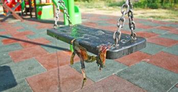 Детска площадка поругана от … възрастни