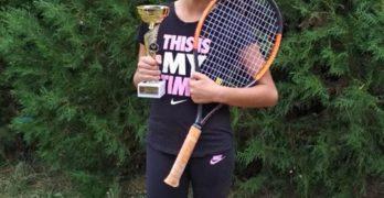 Свиленградска гимнастичка прави летящ старт в тениса