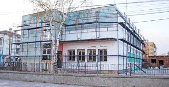 Продължават ремонтите на обществени сгради в Любимец