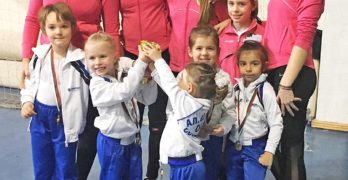 Най-малките свиленградски гимнастички  спечелиха първо място в Благоевград