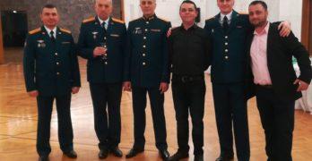 В руското посолство предпочитат да пият от виното на Лозев